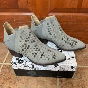 NWT Chinese Laundry Cambria Bootie